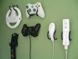 9 smart ways to organize video game controllers