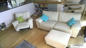 avec quoi nettoyer un canapé en cuir canape nettoyer cuir canape coffret nettoyage blanc nettoyer