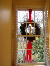 Christmas Window Decorations by How To Hang Wreaths On Outside Exterior Windows