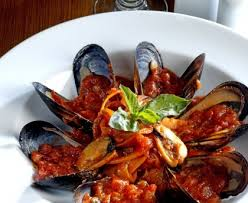 cuisiner des moules au vin blanc moules au vin blanc et à la tomate recette de moules au vin