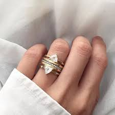 What Finger Does The Wedding Ring Go On by Best 25 Multiple Rings Ideas On Pinterest Stacked Rings