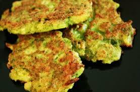 cuisiner brocolis a la poele galette de brocoli au parmesan zekitchounette