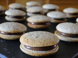que cuisiner avec des blancs d oeufs petits biscuits a la noisette ou comment utiliser ses blancs d