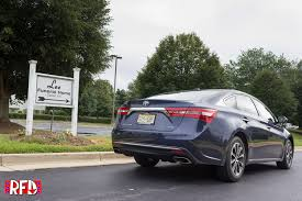 lexus es vs avalon hurtling towards middle age in a 2016 toyota avalon right foot down