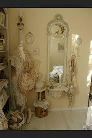 Best Antique Bedrooms Images On Pinterest Antique Bedrooms - Antique bedroom ideas