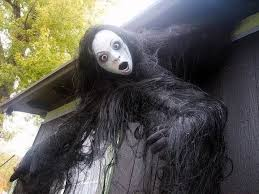 Hgtv Outdoor Halloween Decorations by Halloween Yard Decoration Creepy Crawling Skeleton Greatest