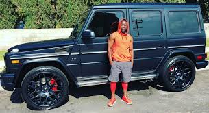 mercedes customized kevin hart shows his customized mercedes amg g65