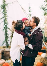 best 25 family photo ideas on family portraits