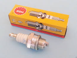 dla engine parts stihl ngk spark plug for fs202 up to ht75