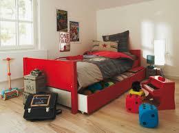 chambre de fille de 9 ans idee deco chambre garcon 9 ans à référence sur la décoration de la