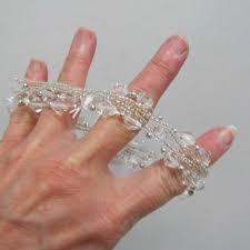 Corsage Wristlets How To Make A Corsage Choosing A Bracelet