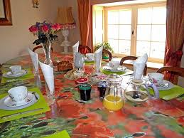 chambre et petit dejeuner petit déjeuner chambres d hôtes martine et jean yves martinet