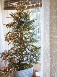erin u0027s art and gardens my glowy and snowy flocked tree