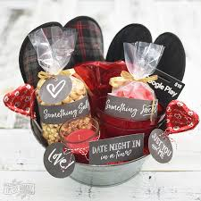 date gift basket ideas s day date in gift basket idea 24 more v day