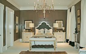 Lacquer Hollywood Regency Focuses On Making The Home A Centerpiece - Regency style interior design