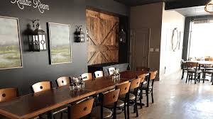 rustic room southtown pub