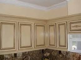 white crackle paint cabinets crackle paint technique cabinets bing images decorating