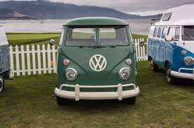 volkswagen bus beach volkswagen i d buzz officially going into production by 2022