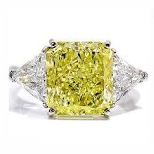 canary engagement ring 0 95ct yellow canary princess trilogy engagement ring 14