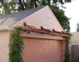 round garage plans trellis tops garage door and gives it instant interest for plans 1