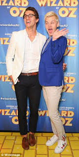 joel creasey shines at wizard of oz premiere in sydney daily