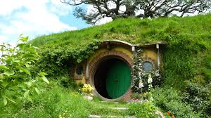 a hobbit hole in nz by irissiel on deviantart samwises house