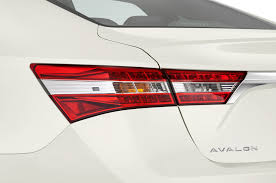 lexus ls430 vs toyota avalon 2014 toyota avalon reviews and rating motor trend