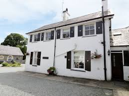gardeners cottage criccieth rhosgyll self catering holiday