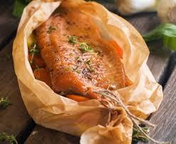cuisiner le saumon saumon entier au four recette de saumon entier au four marmiton