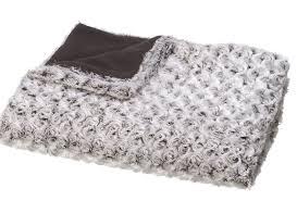 plaid canapé maison du monde tout beaux tout chauds pour un hiver douillet les plaids nous