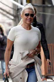 yolanda clothing off housewives real housewives wardrobe malfunction proves that reality exists off
