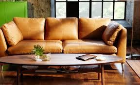canapé cuir naturel le salon stockholm en pleine fleur tient il ses promesses