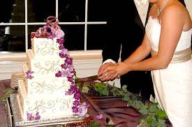 wedding cake cutting the tradition of cake cutting american wedding wisdom