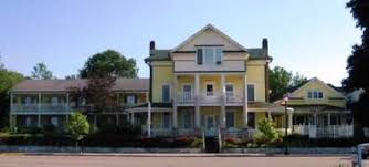 colonial house colonial house inn st ignace michigan