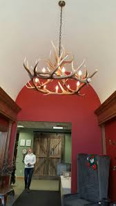 lodge chandelier 11 best antler chandlier images on pinterest antler chandelier