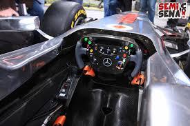 mobil balap kursi pelontar seperti jet tempur dipertimbangkan pada mobil balap f1