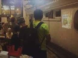photo2 jpg picture of balbir phoebe lau wandering around