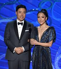 constance wu u0027s ponytail at the 2016 emmy awards could use help but