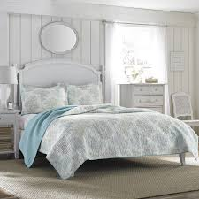 Laura Ashley Bathroom Furniture by Amazon Com Laura Ashley Saltwater Reversible Quilt Set Full