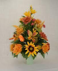 cemetery flower arrangements 29 best flower arrangements images on