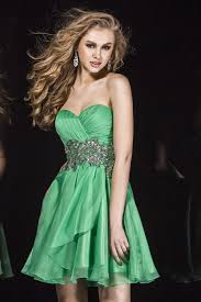 line sweetheart short emerald green chiffon beaded cocktail