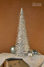 Christmas Crepe Paper Decorations by Diy Christmas Cone Trees U2022 The Budget Decorator