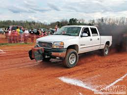 stock jeep vs lifted jeep lifting vs leveling which is right for you diesel power magazine