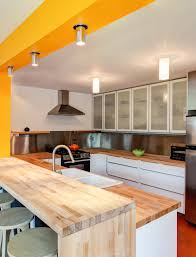 mellow yellow a vibrant city kitchen stays surprisingly calmc mellow yellow a vibrant city kitchen stays surprisingly calmc ville weekly
