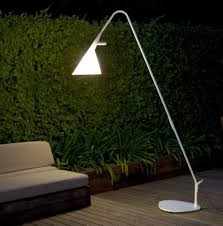 9 cool modern outdoor ls and lights to try digsdigs