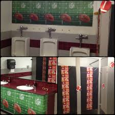football themed bathroom 49ers i u0027m ready to paaarrrtyeeee