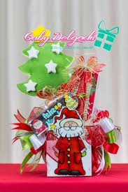 85 best arreglos navideños con dulces y globos images on pinterest