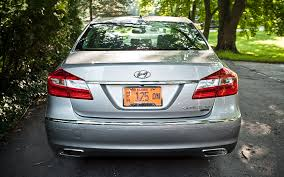 hyundai genesis 5 0 2012 hyundai genesis 5 0 r spec editors notebook automobile