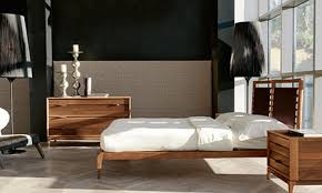 letto a legno massello camere da letto in legno massello in stile contemporaneo dale italia