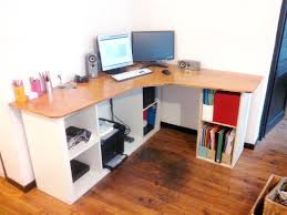 fabriquer un bureau informatique fabriquer bureau informatique avec faire un bureau a caissons